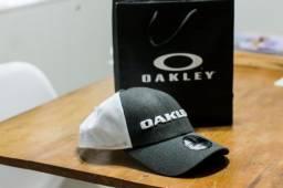 Bone Oakley e Quiksilver - Importado Original
