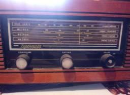 Rádio franhm modelo diplomata PL 72