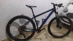 Vendo Bike First Aro 29 tamanho 17.5 (M)