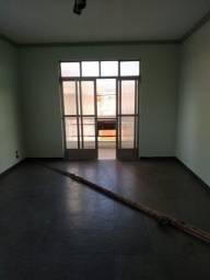 Flamboyant: Apartamento com 03 quartos, sendo 01 suíte