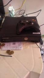 Xbox 360 travado com jogo grátis