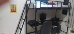 Cama com escrivaninha e escada by Tok Stok