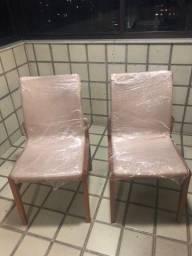Vendo 2 Cadeiras Acolchoadas