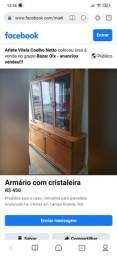 Armário com balcon e cristaleira