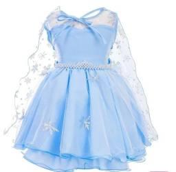 Vestido frozen com capa e tiara tamanho 4