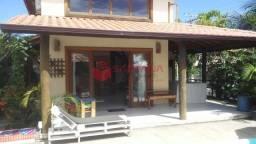 Bela casa em condomínio fechado no melhor de Arembepe