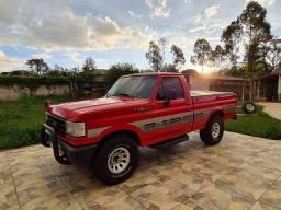 F1000 4x4. Turbo Diesel. Ford.