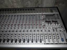 Mesa de som behringer 32 canais