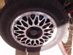 Rodas com pneus originais santana