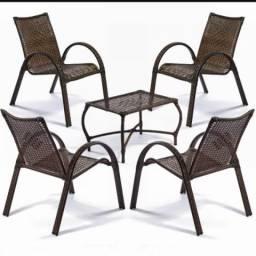 Jogo de cadeira com mesa de Centro
