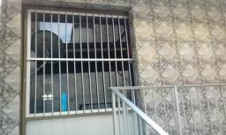 Aluga-se Casa 700,00 (São Jose 1)