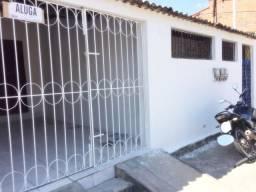 Alugo casa no no conjunto João Alves 2/4 c/garagem