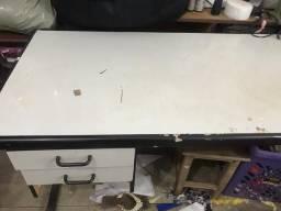 Mesa grande escrivaninha R$ 50