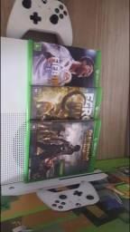 Xbox One S 4K PRATICAMENTE NOVO