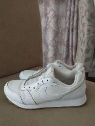 Tênis Nike original Tam 36 serve 35