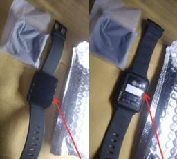 Smartwatch Lg G Watch W100 com 4gb e 512mb (smartwatch e base carregadora)
