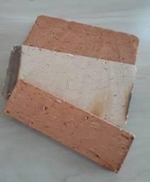 Revestimos (tijolos rusticos) - mesas rustica- churrasqueiras - telhas - madeiras