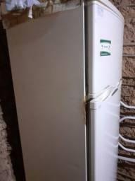 Geladeira 2 portas CCE