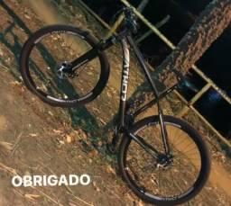 Bicicleta muito nova apenas 2 meses de uso para fins terapêutico