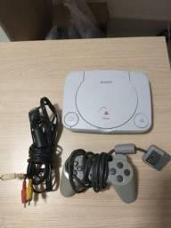 PlayStation One liga mas não lê CD
