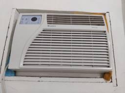 Condicionador de ar Gree GJ7-12L/D Frio com controle remoto 7.000BTUs - 127V.