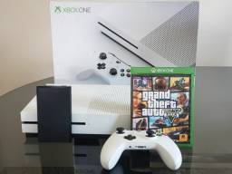Xbox One s 500gb + gta v