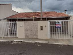 Casa com excelente localização, próximo ao centro e Shopping Boulevard.