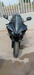 Título do anúncio: Sucata de moto para retirada de peças Yamaha R1 crossplane 2009/2010