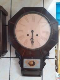 Título do anúncio: Antigo relógio de parede octogonal americano Whaterbury  década 1900