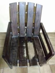 Cadeira de madeira de Gravatá