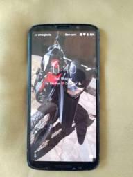Vendo<br><br>*Moto Z3 Play, 128 gigas, 6gb Ram*.