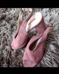 Sandália rosé em camurça