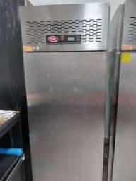 Vendo refrigerador industrial cozil