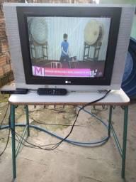 Vendo tv de tubo... Com conversor digital...