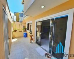 Casa com 4 quartos a venda,300m² por 370.000,00 com ampla área externa - Guarapari - ES
