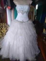 Vestido modelo princesa