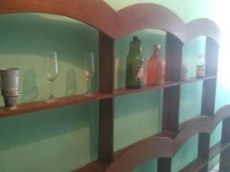 Expositor de bebidas em Madeira