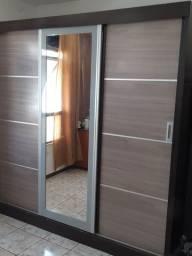 Guarda roupas 3 portas com espelho