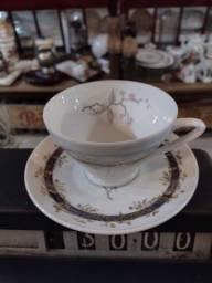 Xícara de Porcelana Antiga ?