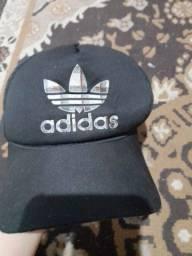 Boné Adidas preto