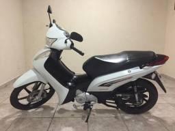 Honda Biz 125 EX com 21.400 km
