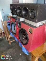 Vende-se um som e um freezer usados