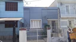 Loja à venda no bairro Floresta - Porto Alegre/RS