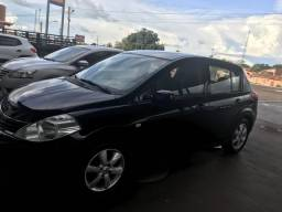 Nissan Tiida hatch 1.8 flex - 2012