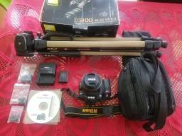 Vendo ou troco Kit Nikon D3100 + Lente Nikon Dx 35mm + Tripé Vídeos em FullHD comprar usado  Nova Friburgo