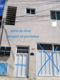 Aluga-se casa por 550 reais com 2 quartos