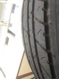 Vendo 2 pneus continental aro 18 camionete