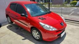 Peugeot 207 1.4 Flex - Baixa Km e econômico