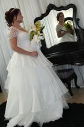 Vendo vestido de noiva completo, valor 900,00, *