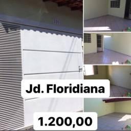 Alugo casa Floridiana